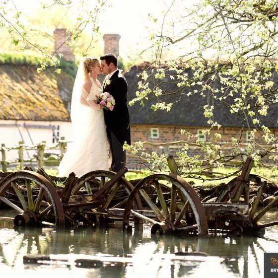 Bryllupsfotograf Aarhus-Viborg-Østjylland-Midtjylland brudepar på hjerl hede