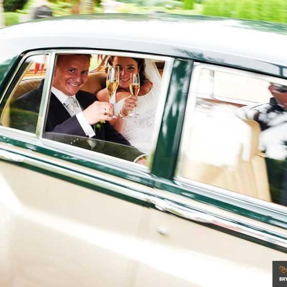 fotograf til bryllup Aarhus-Viborg-Østjylland-Midtjylland brudepar i rolls-royce