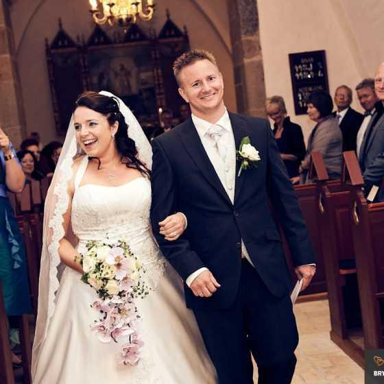 Bryllupsfotograf Aarhus-Viborg-Østjylland-Midtjylland nygifte i kirken