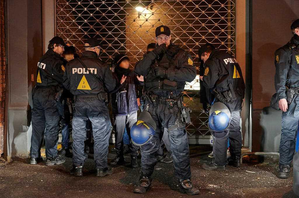 Drengebande tilbageholdt af politiet